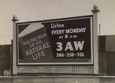 یک بیلبورد مربوط به سالهای ۱۹۴۰ در ملبورن استرالیا