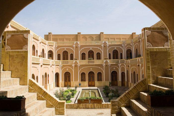 معماری ایرانی - کاروانسرا